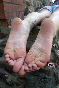 Foot-Fetish-Alice-%28x147%29-r70tlpuako.jpg